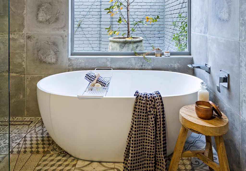 Tricks to Make Small Bathroom Look Bigger